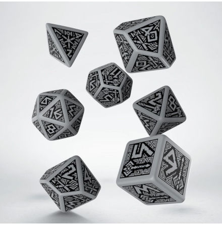 Dwarven Gray & black Dice Set (7)